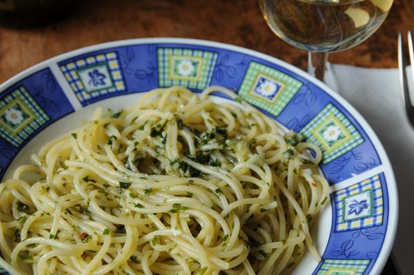 Spaghetti med olje og hvitløk