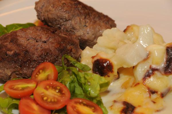 Kjøttkaker m/ingefær og gratinert blomkål